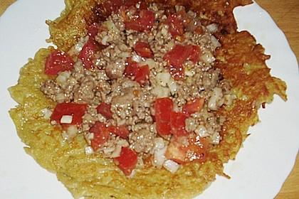 Kartoffelpuffer XXL, mit Hackfleisch und Tomate deftig gratiniert 4