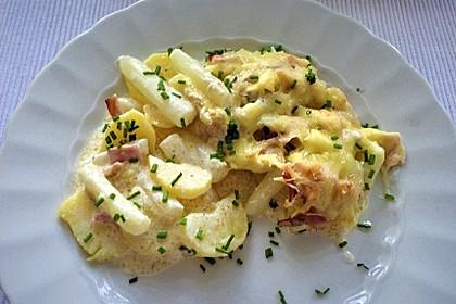 Kartoffelauflauf mit Spargel (Bild)