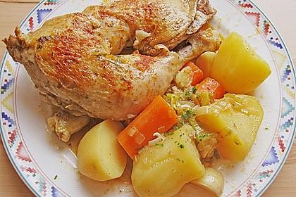 Geschmorte Hähnchenschenkel in Weißwein mit Karotten - Kartoffelgemüse