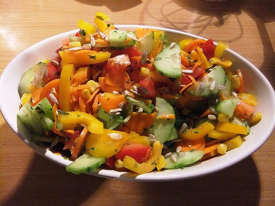 Bunter Salat Mit Honig Senf Dressing Von Duffelino Chefkoch