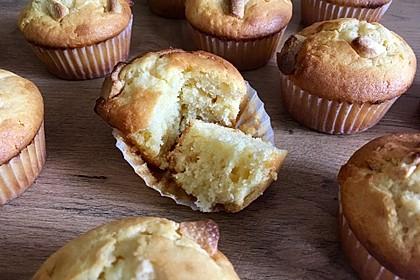 Extra White Chocolate Muffins 17