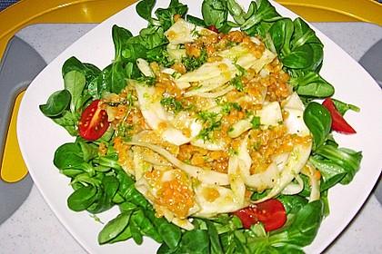 Feldsalat mit roten Linsen und Fenchel