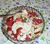 Tomaten - Gurkensalat mit Schafskäse (Bild)