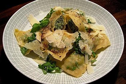 Ravioli selbstgemacht - mit Schinken - Spinat - Parmesan - Füllung (Bild)