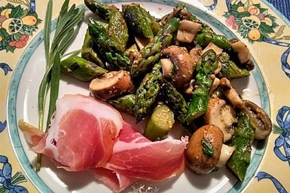 Spargel mit Senf und Pilzen (Bild)
