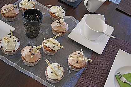 Cappuccino Cupcakes mit Cream - Cheese Frosting 12
