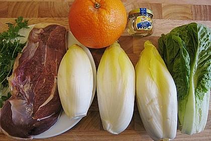 Entenbrusttranchen auf Chicorée und Salatherzen mit Orangenvinaigrette