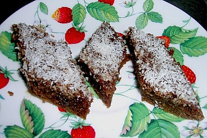 Schokoladenblechkuchen mit Kaffeeguss und Kokosraspeln 2