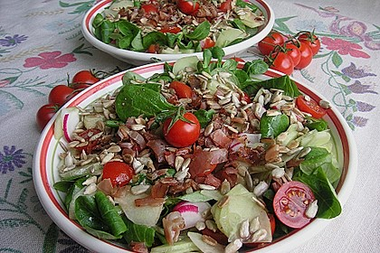 Gemischter Feldsalat mit Himbeeressig - Dressing 10