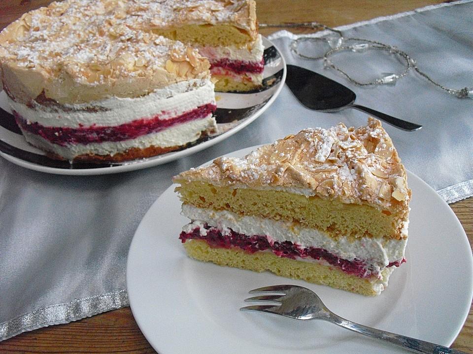 Baiser Torte Mit Himbeer Oder Brombeercreme Von Mickyjenny