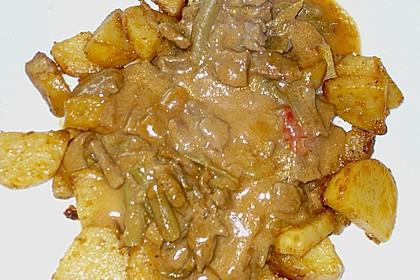 Ungarische Rinderpfanne an Bratkartoffeln 6