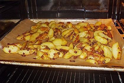 Ungarische Rinderpfanne an Bratkartoffeln 8