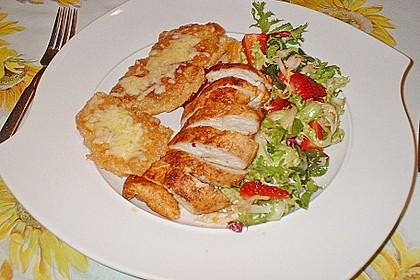 Kopfsalat mit Hähnchen und Erdbeeren