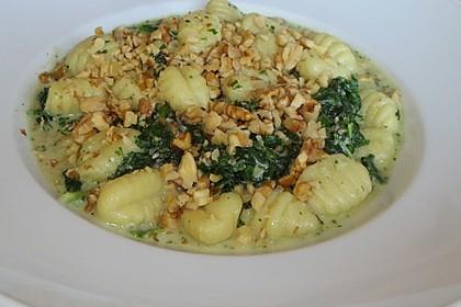 Gnocchi con Gorgonzola, Spinatci e arrosto noce (Bild)
