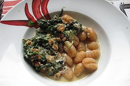 Gnocchi con Gorgonzola, Spinatci e arrosto noce 1