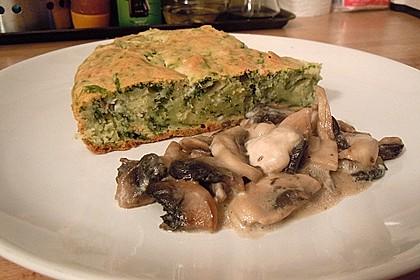 Pikanter Maiskuchen mit Käse und Spinat