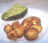 Petersilienwurzel - Chips mit Avocadodip (Bild)