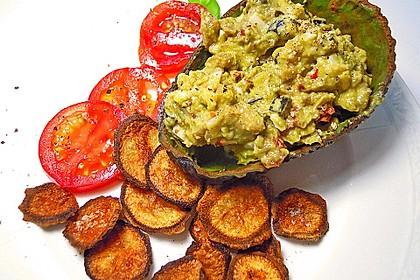 Petersilienwurzel - Chips mit Avocadodip