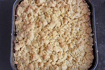 Apfelkuchen mit Vanillecreme und Streusel