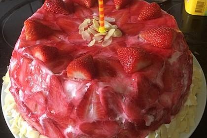 Erdbeer - Kuppeltorte à la Jessy 25