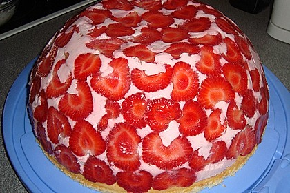 Erdbeer - Kuppeltorte à la Jessy 31