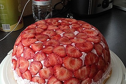 Erdbeer - Kuppeltorte à la Jessy 8
