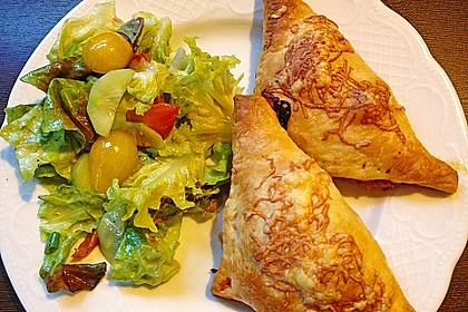 Pizzataschen aus Blätterteig