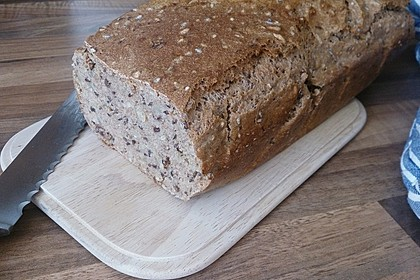Saftiges Vollkornbrot 147