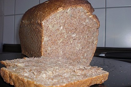 Saftiges Vollkornbrot 233