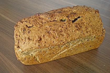 Saftiges Vollkornbrot 205
