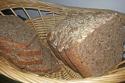 Saftiges Vollkornbrot 71