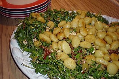 Lauwarmer Gnocchi - Salat