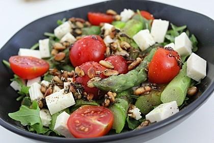 Salat mit Spargel, Rucola und Schafskäse 1