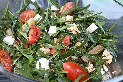 Salat mit Spargel, Rucola und Schafskäse