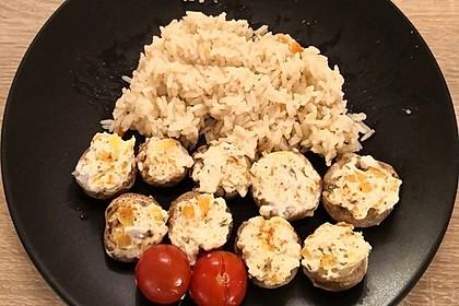 Vegetarisch gefüllte Champignons auf Reis 9