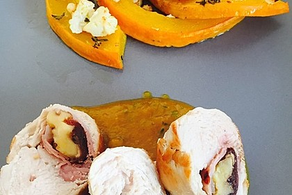 Gefüllte Hähnchenbrust auf Aprikosen-Rosmarin-Sauce 10