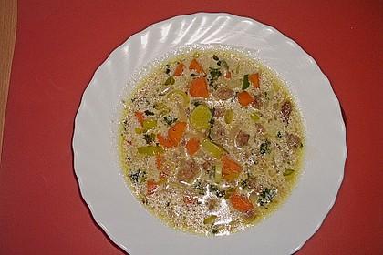 Bayerische Brotsuppe mit Schnittlauch 2