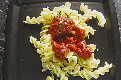 Spaghetti mit Fleischklößchen