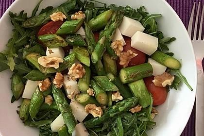 Salat mit gebratenem Spargel, Ziegenkäse, Rauke und Tomaten 4