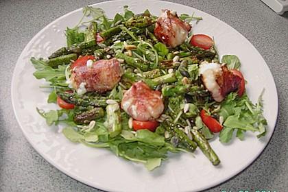 Salat mit gebratenem Spargel, Ziegenkäse, Rauke und Tomaten 5