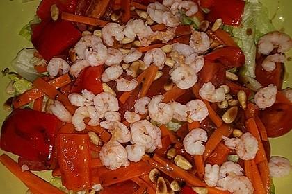 Gemischter Salat mit Pinienkernen und Honig - Senf - Dressing 15