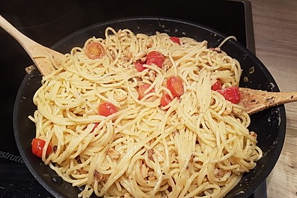 Spagetti mit Garnelen - Sahnesoße mit Cocktailtomaten 7
