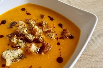 Geröstete Kürbis - Süßkartoffel - Suppe (Bild)