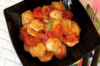 Ravioli mit Ricottafüllung und frischer Tomatensauce 3