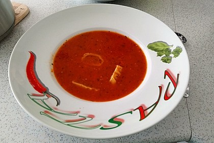 Frische Tomatensuppe (Bild)