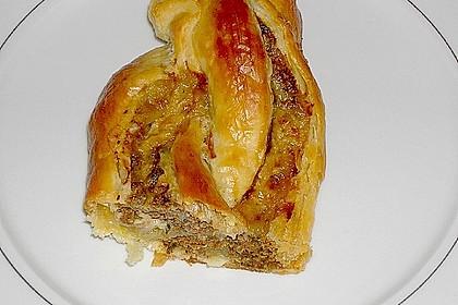 Blätterteigzopf mit Hackfleisch 8