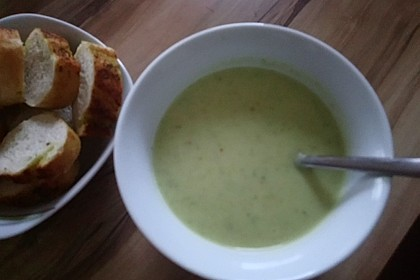 Blumenkohl - Brokkoli - Suppe 8