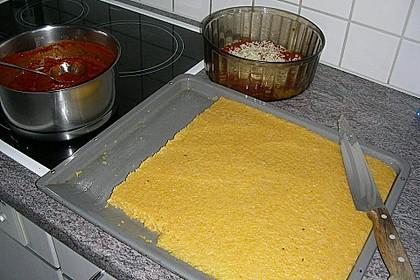 Überbackene Polenta mit Tomatensauce 4