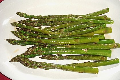 Grüner gebratener Spargel 18