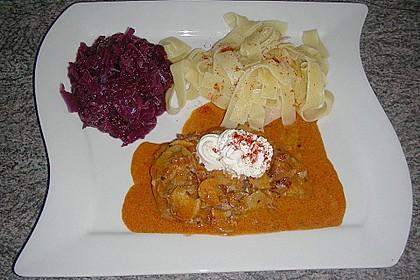 Schweineschnitzel an einer Champignon - Speck - Paprika - Sauce 3